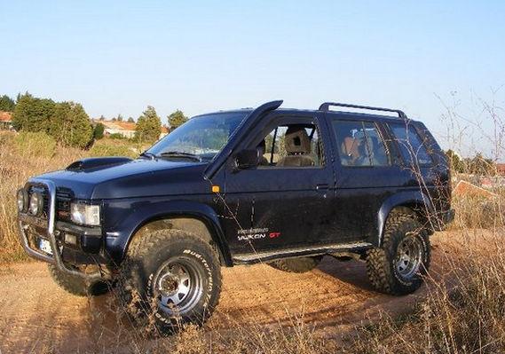 Nissan Terrano первого поколения