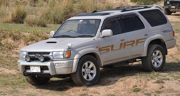 Тойота Hilux Surf