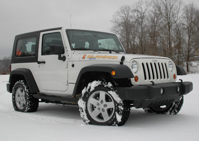 Белый Jeep Wrangler