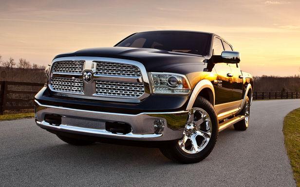 Dodge Ram спереди