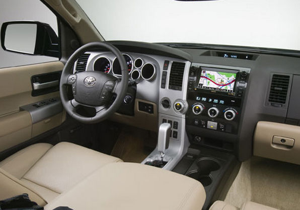 Салон Toyota Sequoia