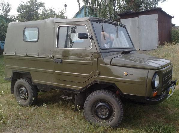 ЛУАЗ 969 с брезентовым тентом