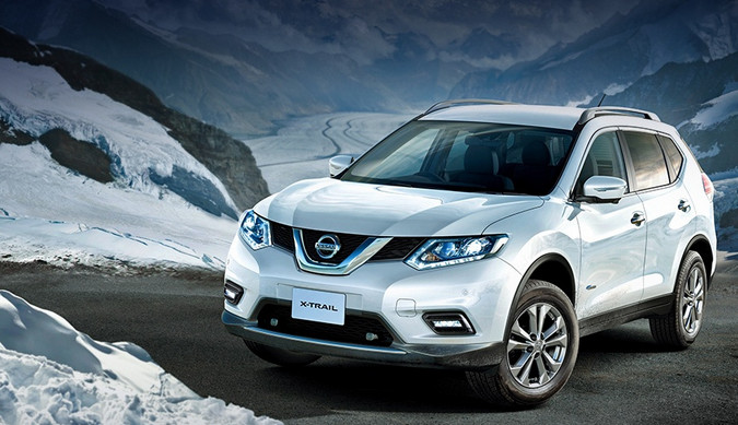 Nissan X-Trail в новом кузове вид спереди