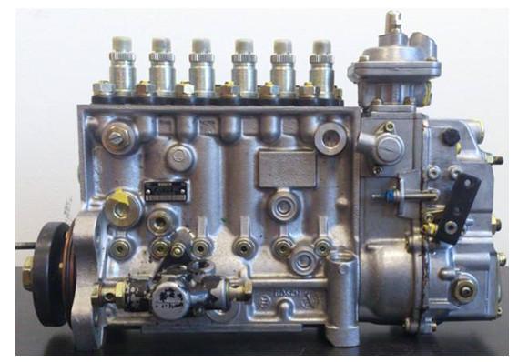 Дизельный двигатель с форсунками