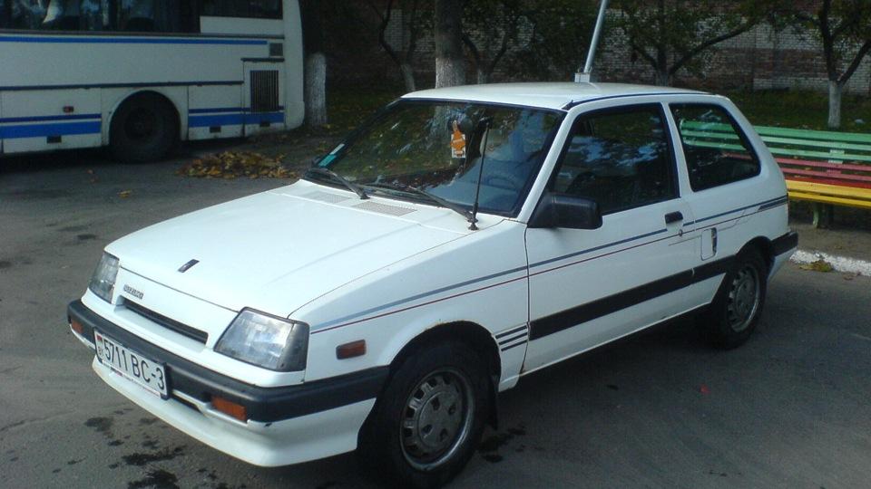 Suzuki Swift 1-е поколение 1986 года