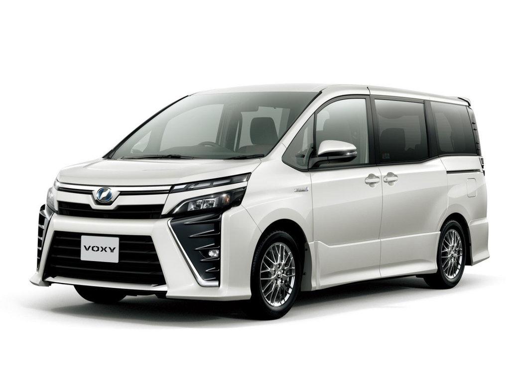 Toyota Voxy рестайлинг 2017, 2018, 2019, 2020